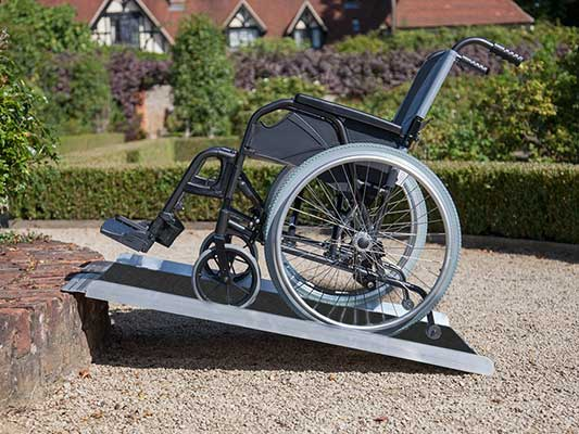 Clevr 3-Inch 36 by 31 Non-Skid Aluminum Wheelchair Loading Traction Ramp