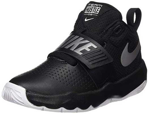 Nike Kids' Team Hustle D 8 Basketball Shoe